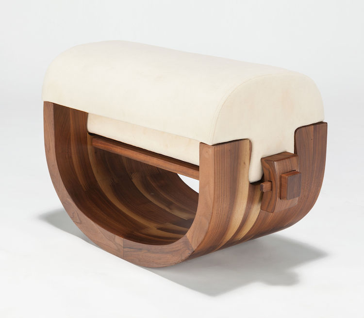 XUE WENJING (Chinese, 20th century)Ottoman(from the Wood Series), 2012Walnut and velvet upholstery15-1/2 x 25 x 12 inches (39.4 x 63.5 x 30.5 cm). Utropspris 16 300 SEK, Heritage Auctions