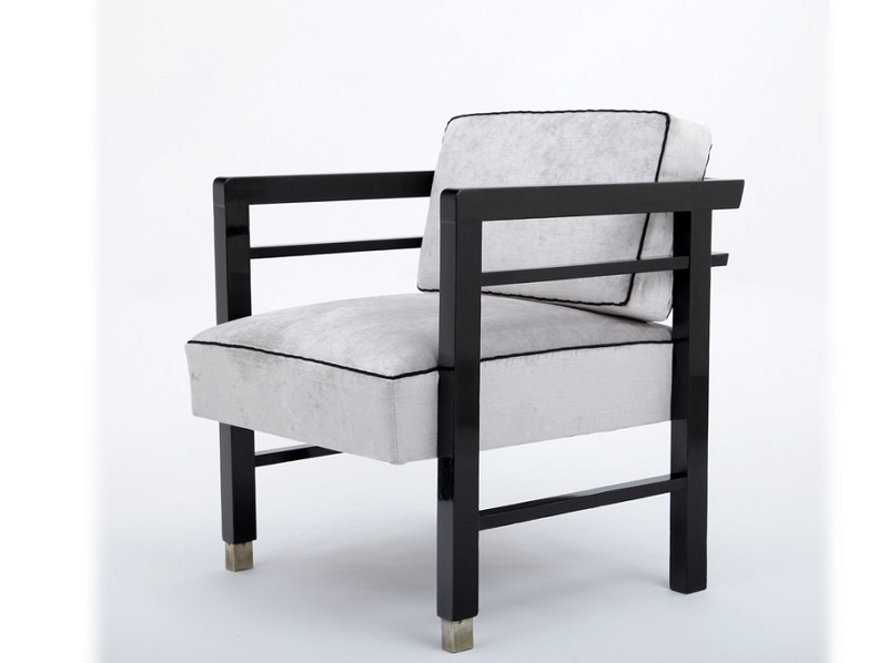 Sillón rectangular minimalista en ébano de Josef Konecny (1920)