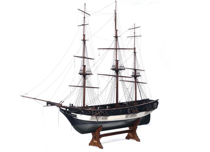 Modell eines Segelschiffes mit vielen Details, 255 x 65 x 205 cm, 19. Jh. Schätzpreis: 7.000-9.000 EUR