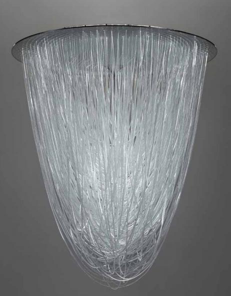 CHANDELIER 137.5, 2016 Résine renforcée de fibre de verre, métal, fibre optique, LED Édition limitée à 12 exemplaires Image via Tajan