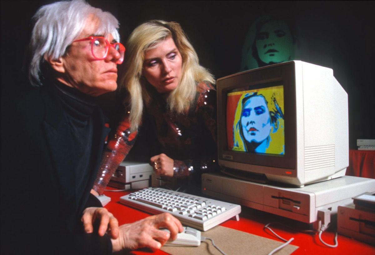 Andy Warhol drawing Debbie Harry on an Amiga computer at the Lincoln CenterImage: Allan Tannenbaum