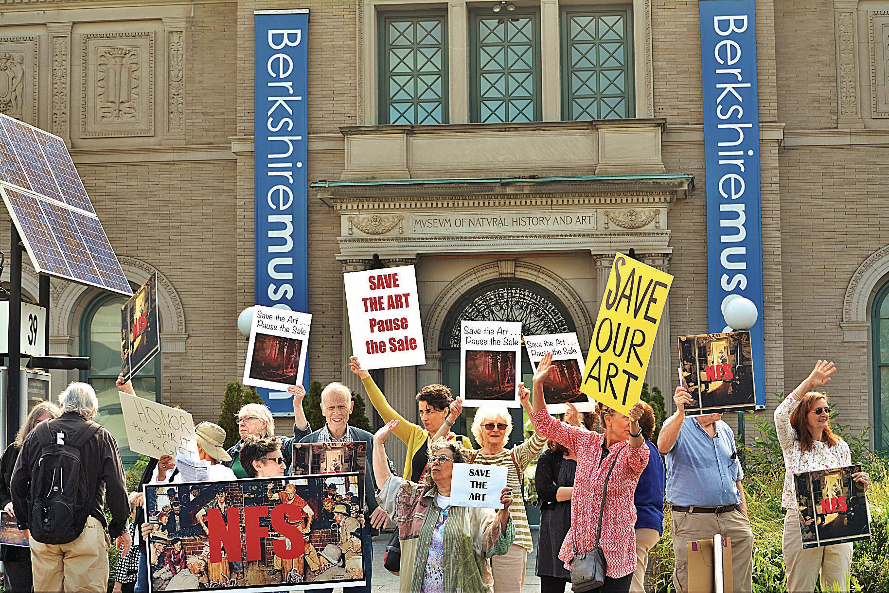 Protesters in front of the Berkshire Museum in 2017. Image: Gillian Jones for the Berkshire Eagle