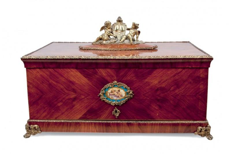 Lote 715: Cabinet de sobremesa. Francia. Época Napoleón III