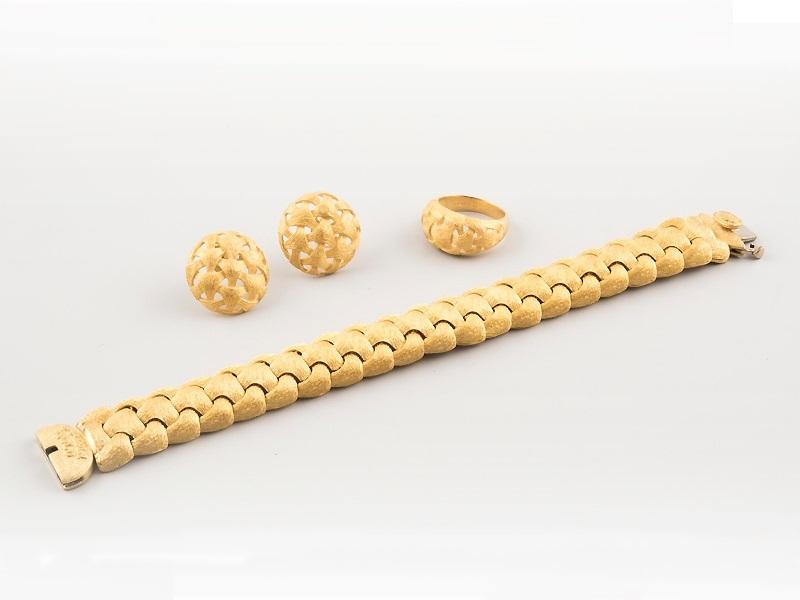 Schmuckset (Armband, Ring und Ohrringe) aus Gelbgold Ausruf: 2.630 EUR
