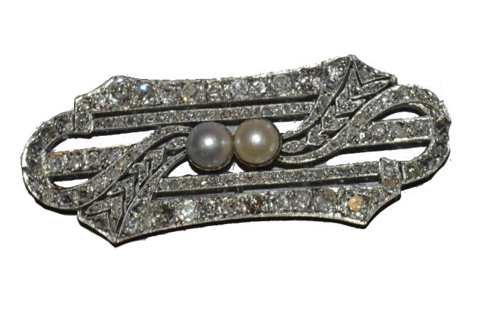 Plaque en diamant taille ancienne environ 4,5 carats de diamants serti de deux perles de cultures Pays de Fayence
