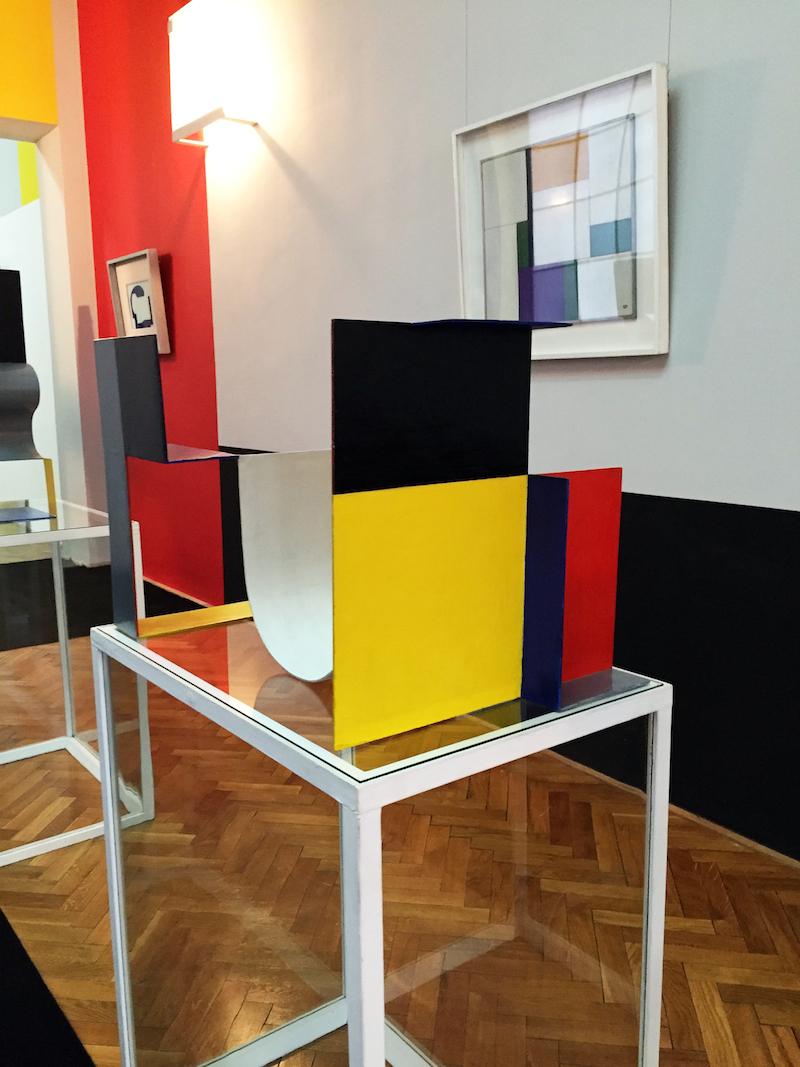 Installationsbild från Neoplastic Room.