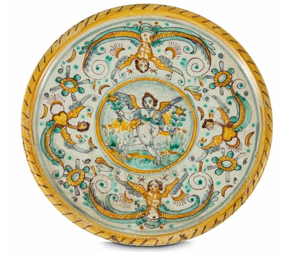 Faïence de Deruta à décor de harpies, cariatides ailées, armes et vrilles, 17ème siècle