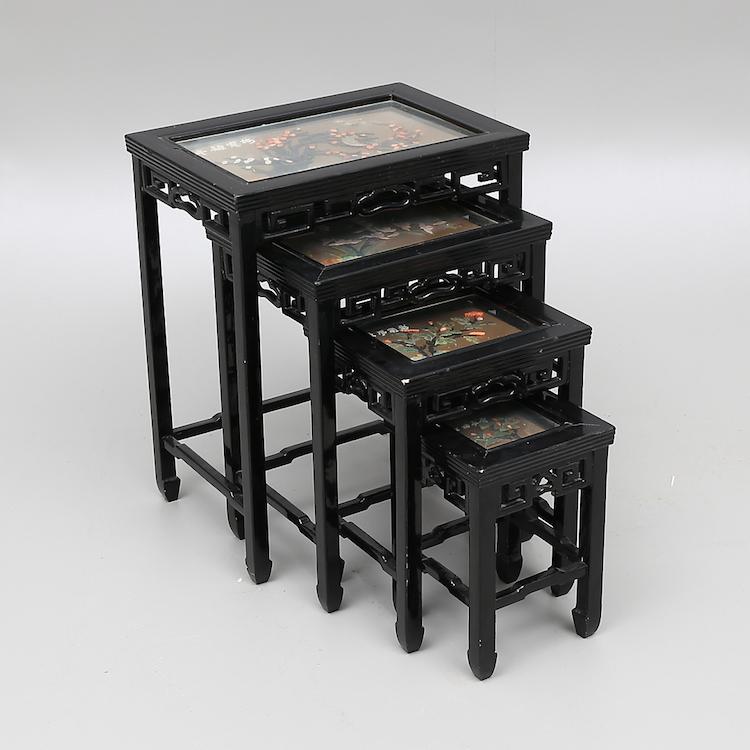 Satsbord, 4 delar, Kina, 1900-tal. Utrop: 800 sek. Växjö Auktionskammare