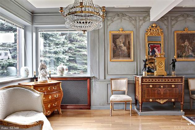 Bjurfors_Malmö_ljuskrona_rokokobyrå_gustavianska möbler