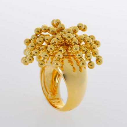 """Cartier Bague """"Perruque"""" ornée de fils de billes d'or mobiles En vente chez Genève Enchères"""