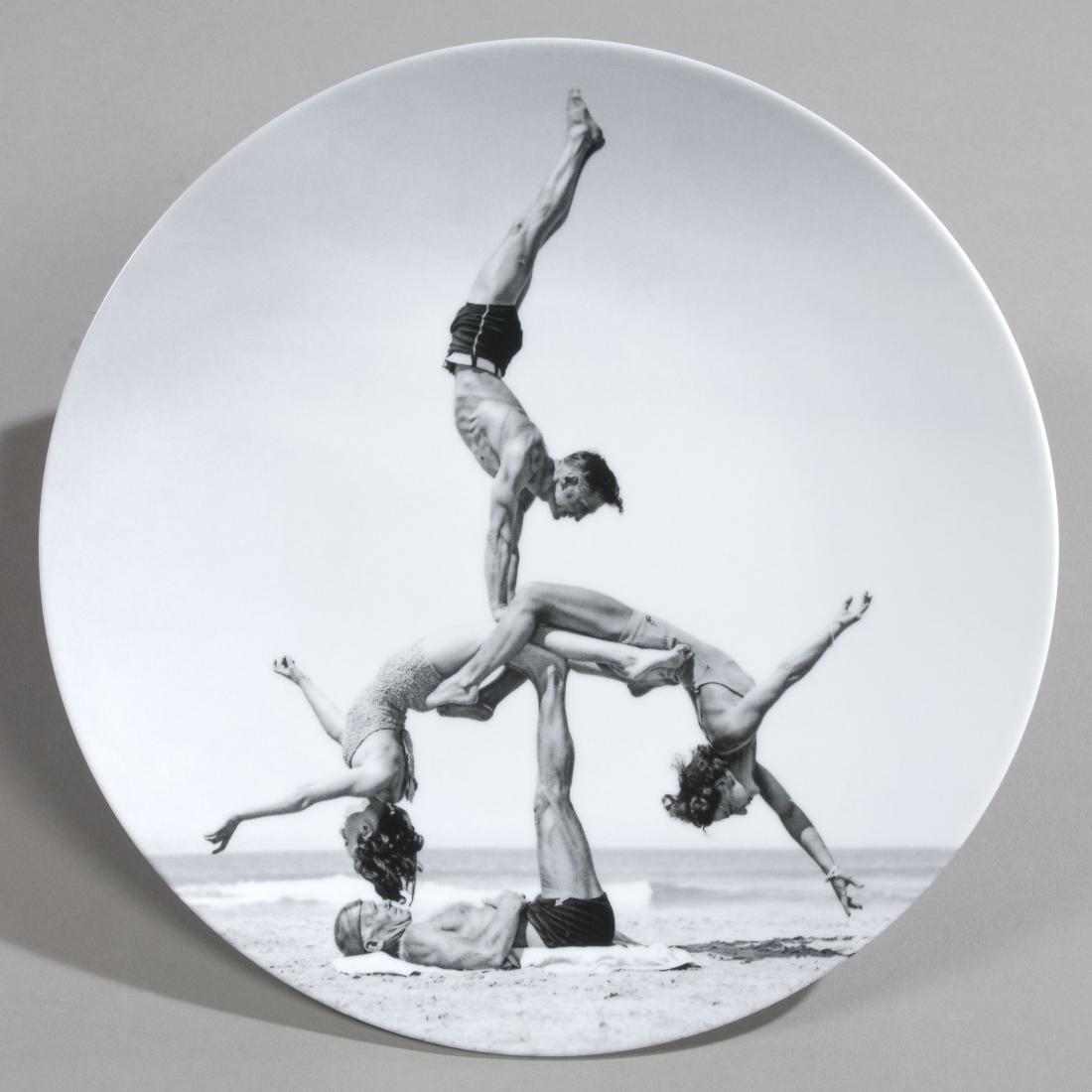 Jeff KOONS (1955) Acrobates. Utrop: 1 900 SEK. Arthena Auctions.