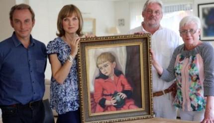 Les heureux propriétaires avec les experts de l'émission Fake or Fortune Image via 1001infos.net
