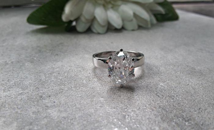 Diamantring, diamant 3,03 karat. Vitt guld 14 karat. Utropspris: 148 000 Sek. Catawiki