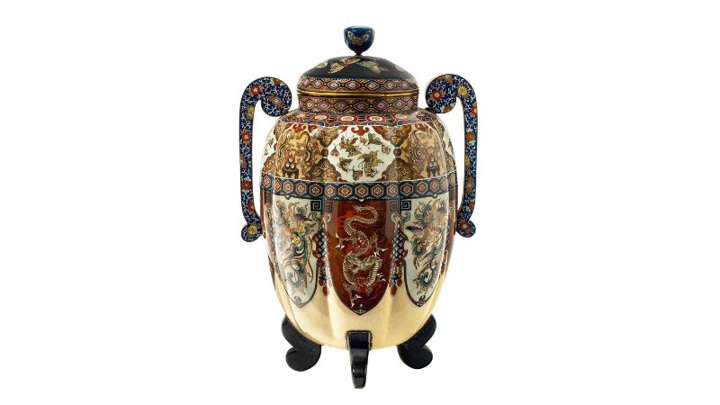 NAMIKAWA YASUYUKI (zug.) - Meiji-Vase mit polychromem Emaille, Japan Ende 19. Jh.