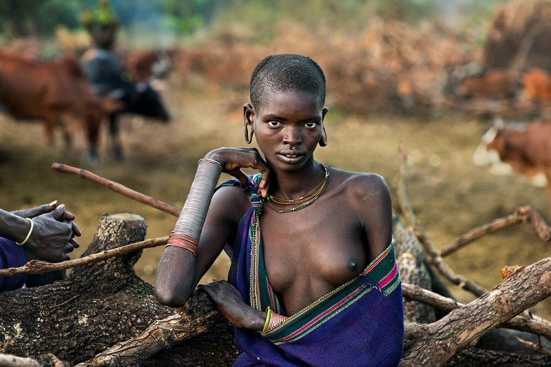 Steve McCurry, Portrait d'une femme de la tribu Suri