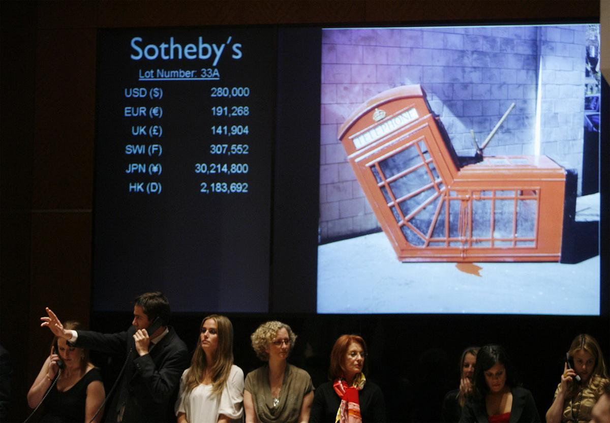 """Le 14 février 2008, Sotheby's New York a vendu aux enchères """"Vandalized Phone Box"""""""