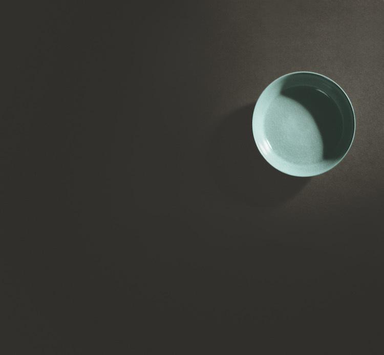 El plato utilizado para lavar cepillos se vendió por 31 millones de euros, convirtiéndose así en el artículo de cerámica china más caro jamás vendido en una subasta de este estilo.