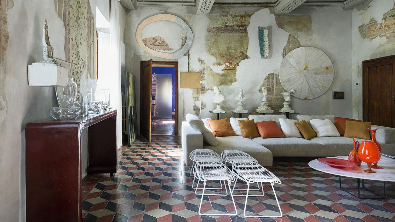 Das Wohnzimmer in der Villa Gaeta | Foto: © Francesca Anichini