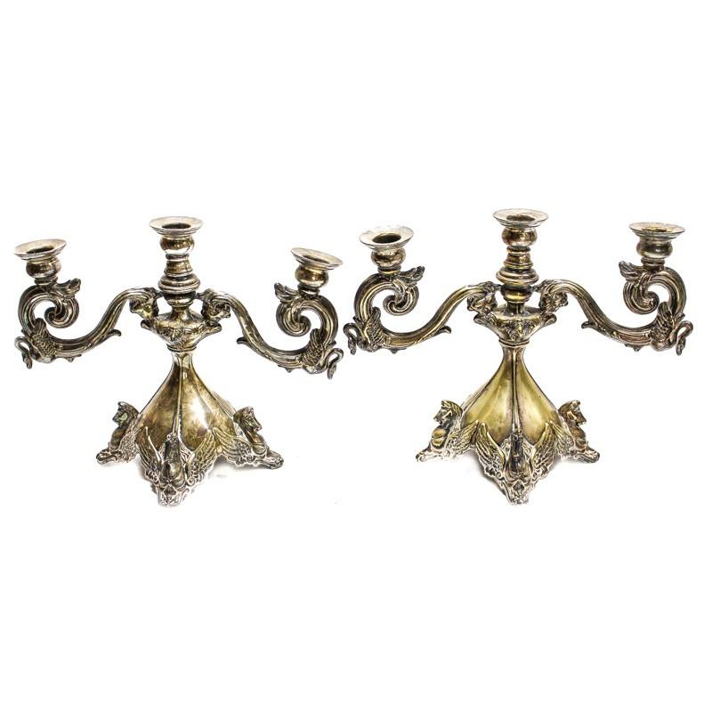 """Candelabros de metal plateado decorado con """"aves"""" (siglo XX)"""