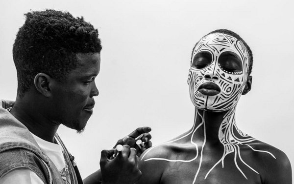 Laolu Senbanjo painting dancers for Beyonce's Lemonade track Sorry Image via African Spotlight