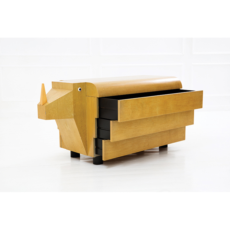"ICO PARISI - ""Rhinoceros"" chest of drawers from the Zoo Mobili series of lacquered maple wood, 1992 Result: 46 740 EUR"