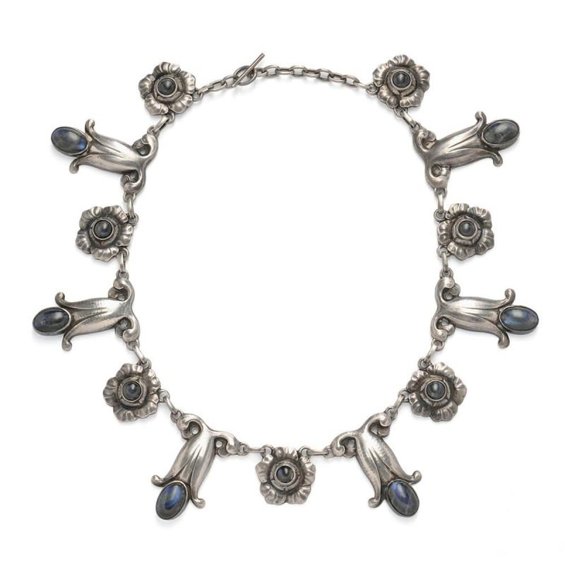 Halsbandet i sterlingsilver som såldes på Skinner. Foto: Skinner.