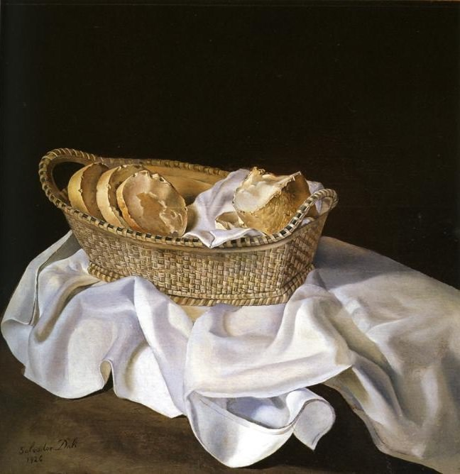 1. Salvador Dalí, Basket of Bread, 1926. Foto via Wikipedia.