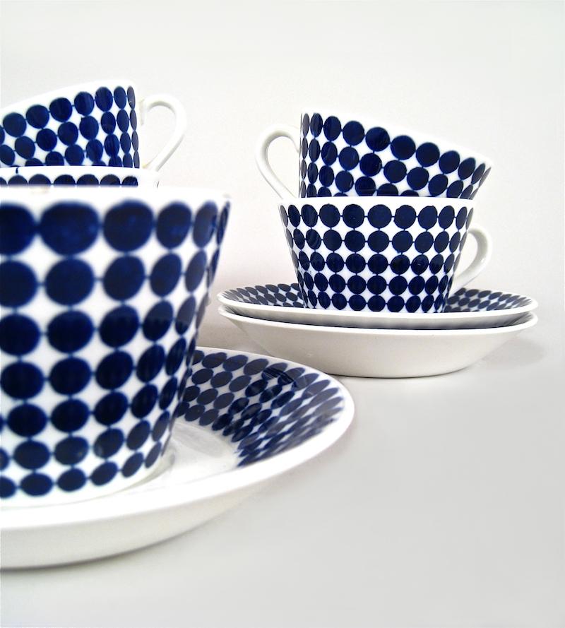"""Kaffekopp med fat """"Adam"""" av Stig Lindberg för Gustavsberg. Pris 350 kr/st"""