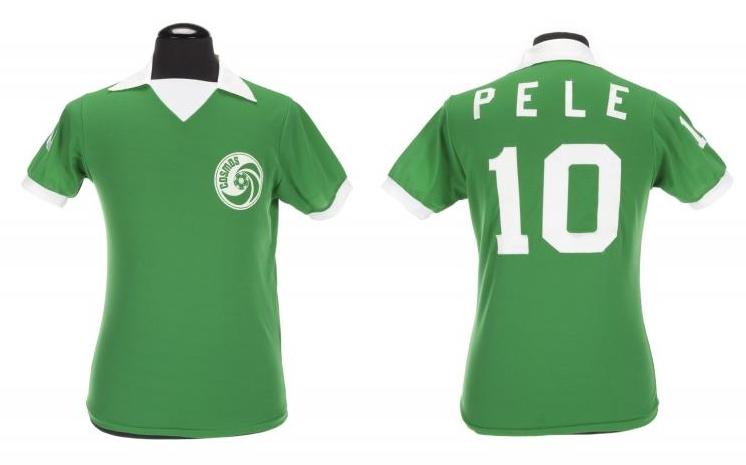 Maillot porté par Pelé en 1997 Julien's Auctions