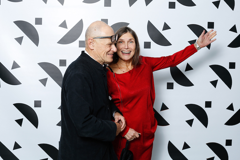 På väg till middagen – Kenneth Hermele och Ingrid Elam (Hasselbladstiftelsens styrelse)