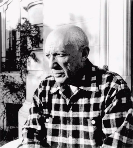 LUCIEN CLERGUE 1934-2014  Picasso a la villa La Californie, Cannes, 1955.  Yann Le Mouel Estimation Basse: 500 €
