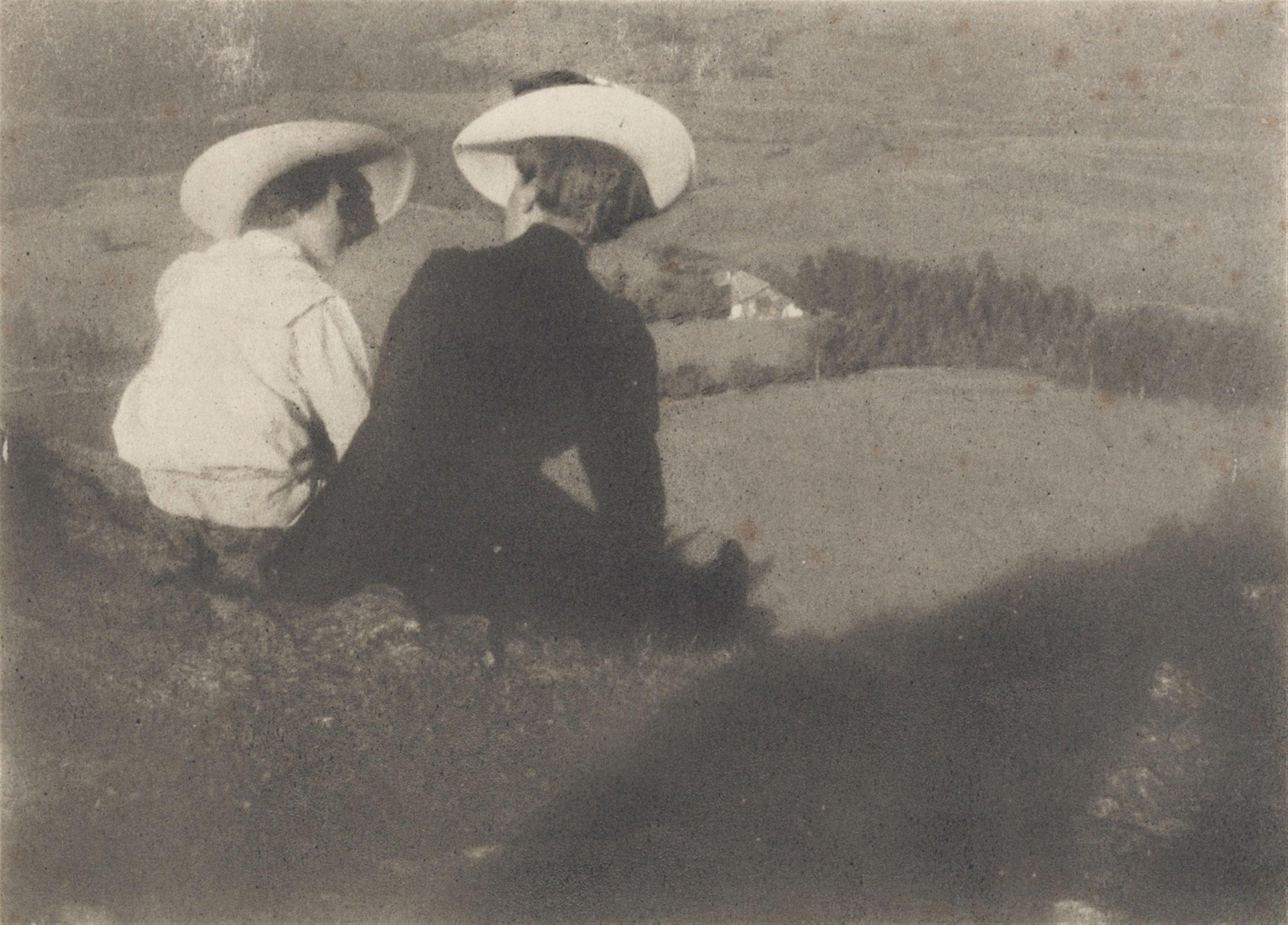 HEINRICH KÜHN (1866 Dresden - 1944 Birgitz) - Meadow in Birgitz (Hans and Mary sitting), oil on reverse / Japanese paper, signed, around 1915