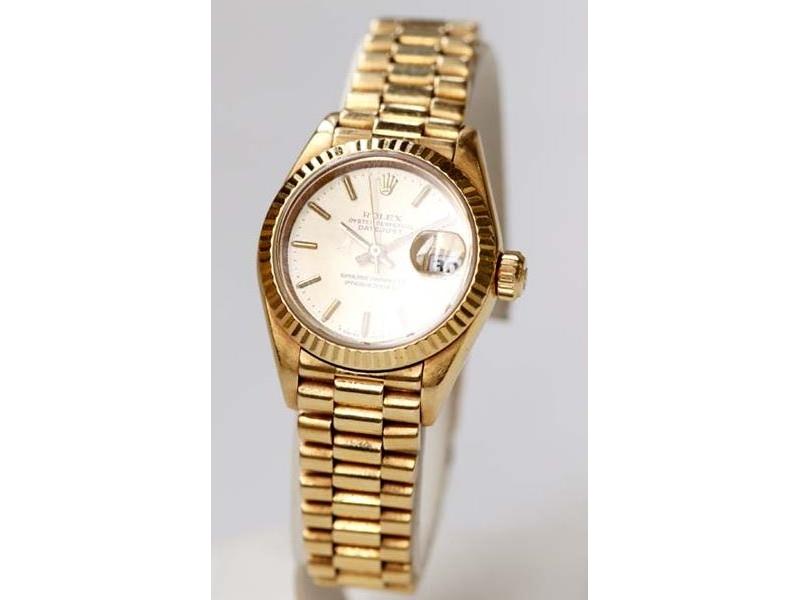 Reloj suizo ROLEX en oro para señora. Modelo Oyster Perpetual Datejust