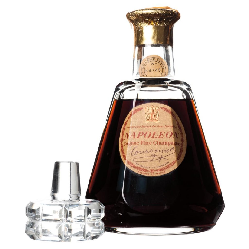 Courvoisier Napoleon, Cognac Fine Champagne Estimation basse: 430 euros