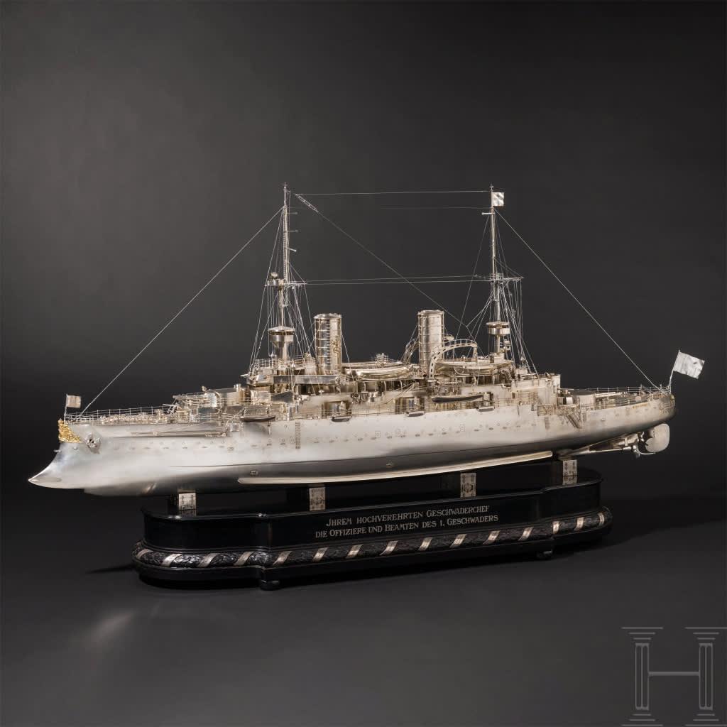 Modell av fartyget SMS Kaiser Friedrich III som tillverkats helt i silver, vilken gavs i gåva åt Henrik av Preussen.