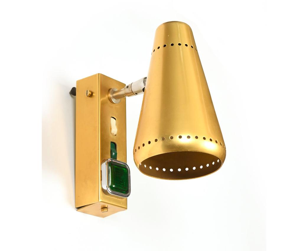 Spot en aluminium laqué doré mat en provenance du paquebot France, image ©VIllandray & Associés
