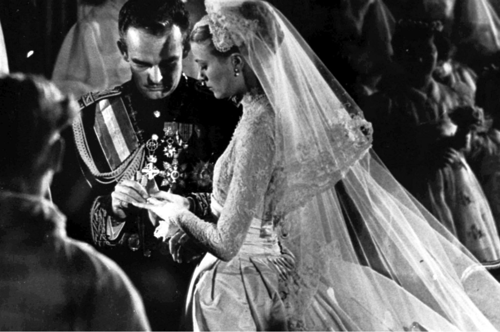 Wedding-of-Prince-Rainer-and-Grace-Kelly-religious-service-1