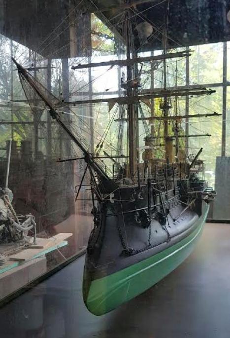 """Großes Modell der """"Dévastateur"""", 2 x 0,8 x 1,2 m Unterer Schätzpreis: 10.900 EUR"""