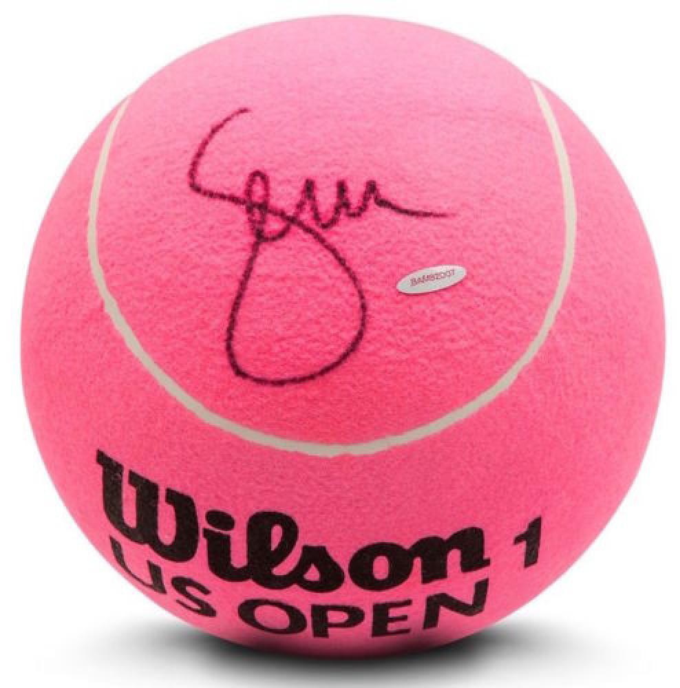 Serena Williams signed jumbo Wilson Pink tennis ball. Photo: Pristine Auctions