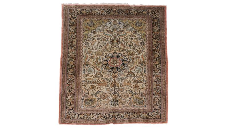 Silkesmatta, ca 210cm x 143cm. Dreweatts & Bloomsbury Auctions.