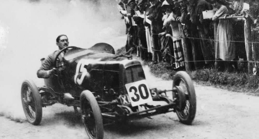Louis Zborowski dans une Aston Martin de 1922