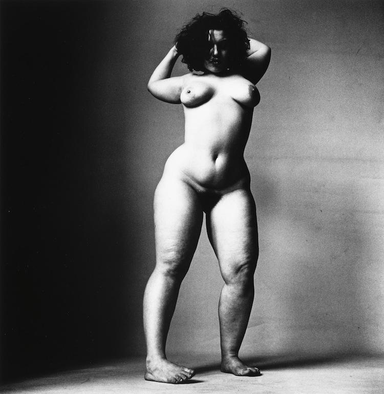 """Samma auktionshus auktionerar ut """"Dancer Series (Alexandra Beller, New York)"""". Utropet är 6-9 000 dollar"""
