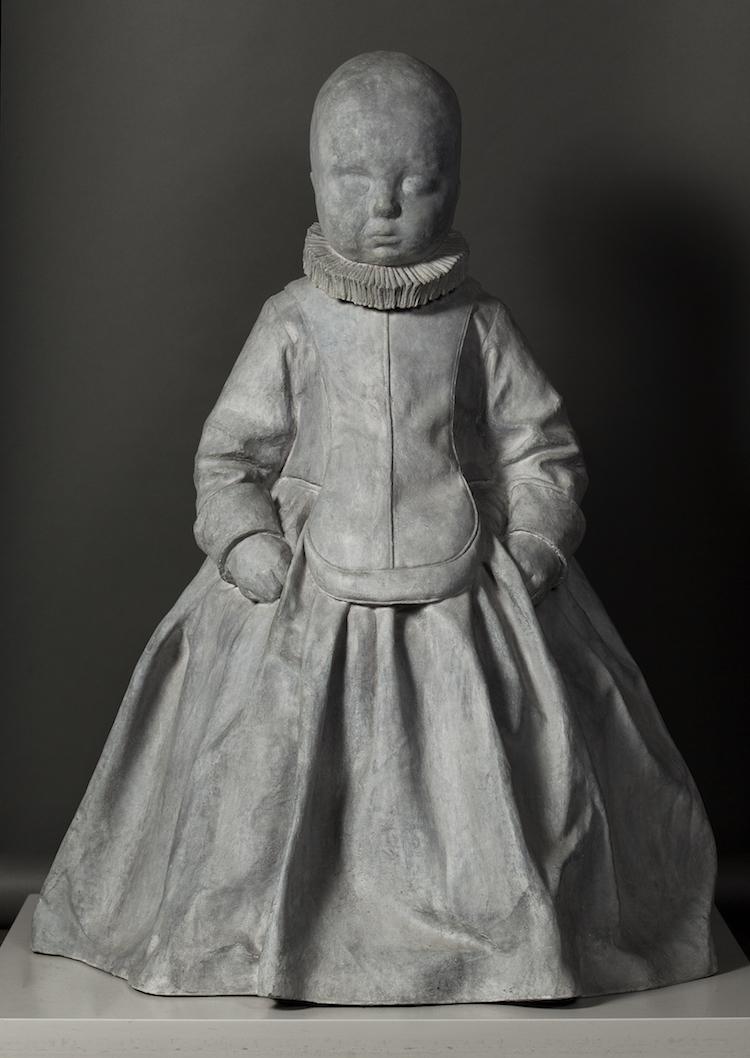 """Charlotte Gyllenhammars """"In Waiting"""" från 2009, upplaga 1/5 i patinerad brons. Köpt hos Galleri Christian Larsen."""
