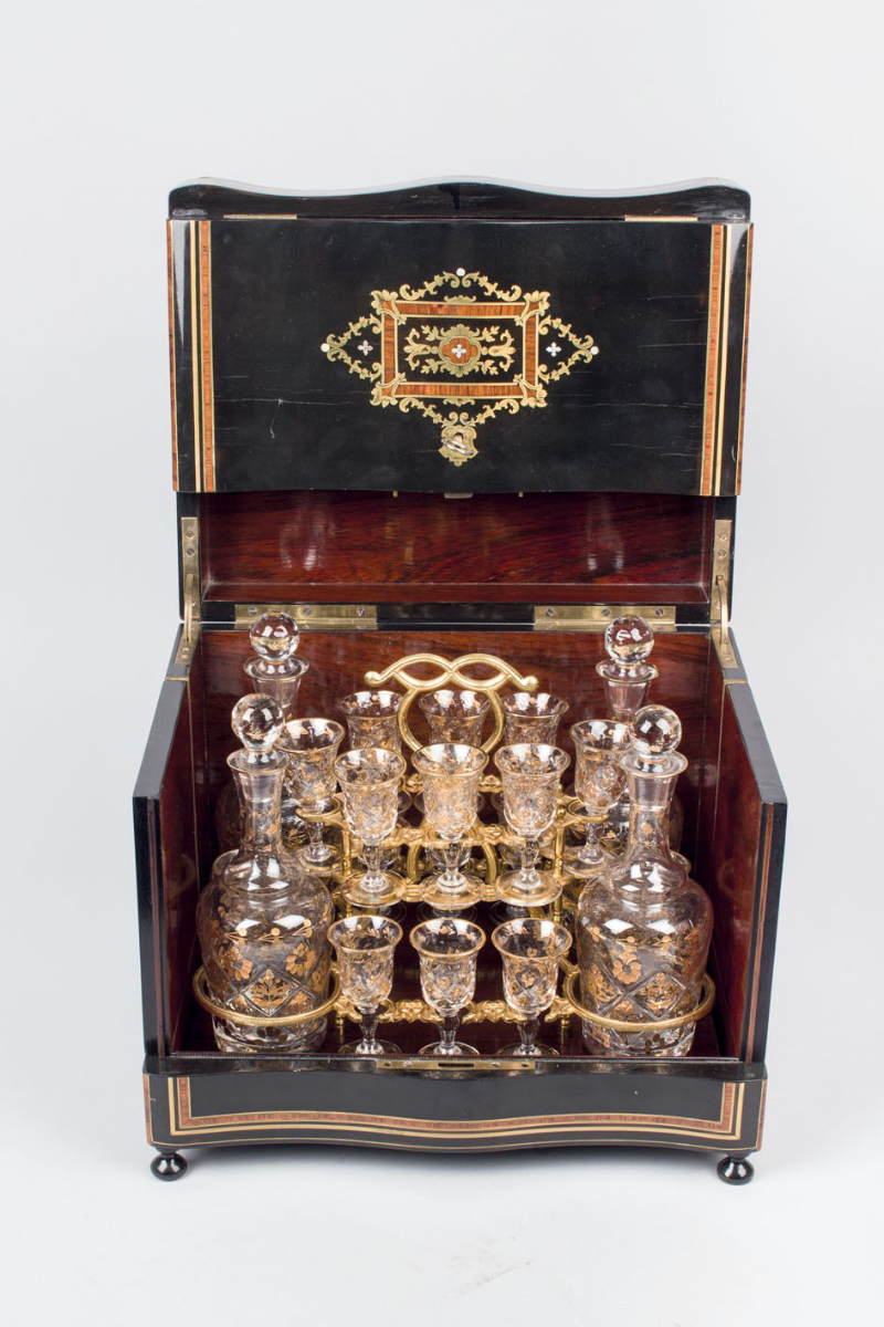 Spritchatull från Napoleon III epoken Utgångspris: 7 500 SEK Duran Subastas