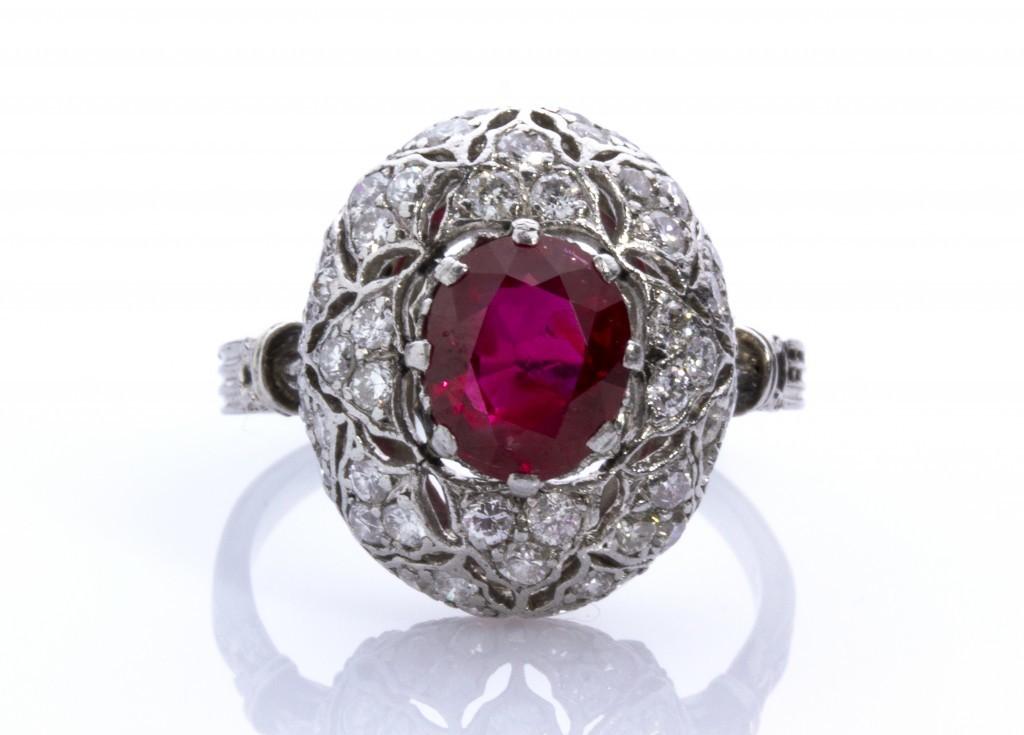 Mario Buccellati (1891-1965) - Platinum ring with ruby and diamonds