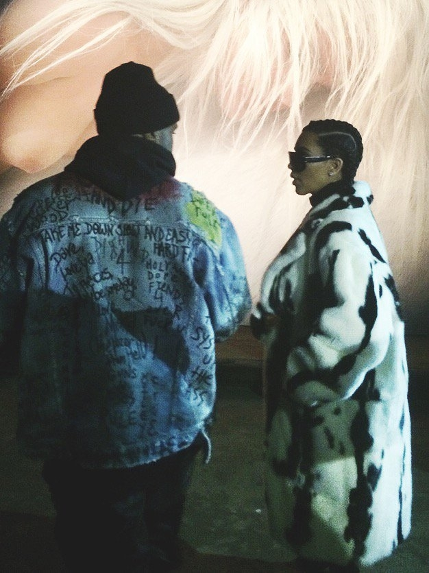 Kanye som har på sig jackan ifråga, tillsammans med Kim Kardashian. Bild via Pitchfork/Twitter