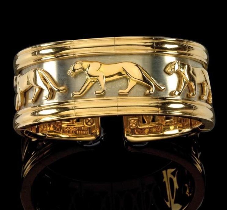 """Armspange """"Pharao"""" von CARTIER aus Weiß- und Gelbgold Rufpreis: 8.000 EUR"""