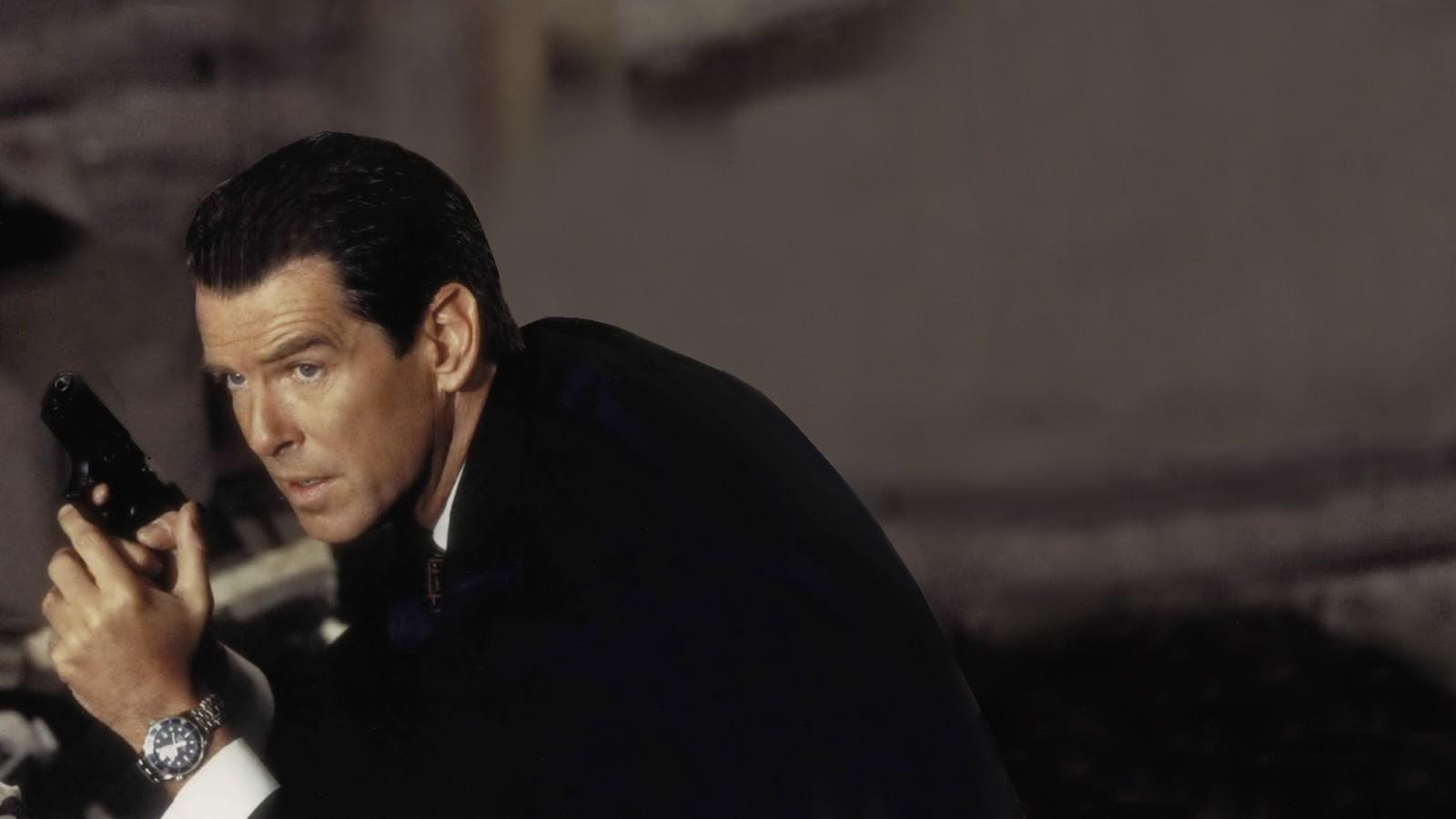James Bond med sin Omegaklocka. Bild: cloudfront