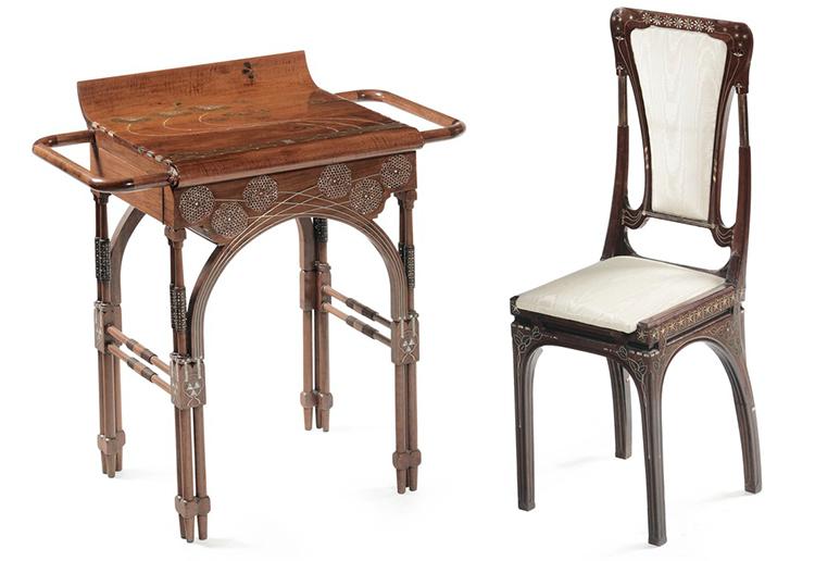 Eugenio Quarti (1887-1929). Toalettbord och stol, valnöt och pärlemor. Lot: 4. Utrop: 204.000 SEK