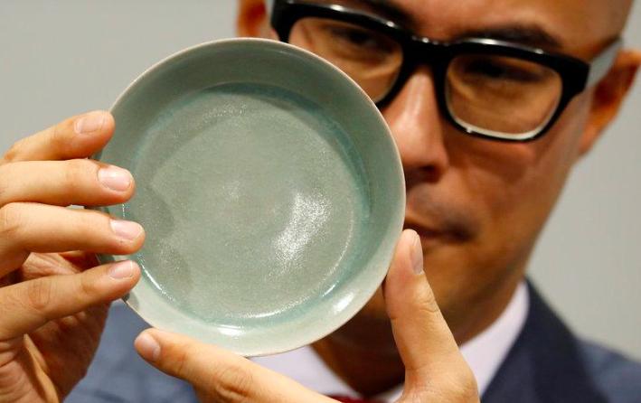Diese wertvolle Ru Guanyao-Pinselschale wurde bei Sotheby's Hongkong versteigert | Foto: Sotheby's